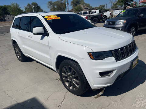 2017 Jeep Grand Cherokee for sale at CHURCHILL AUTO SALES in Fallon NV
