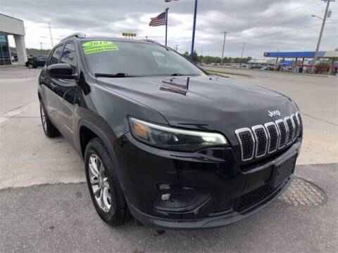 2019 Jeep Cherokee for sale at Show Me Auto Mall in Harrisonville MO