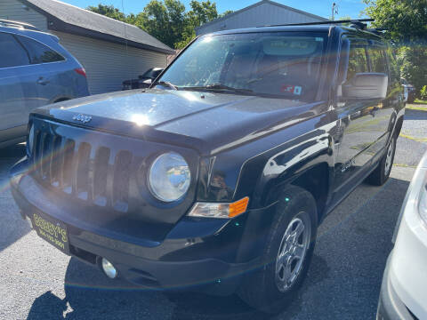 2012 Jeep Patriot for sale at Bobbys Used Cars in Charles Town WV