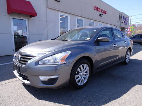 2015 Nissan Altima for sale at KING RICHARDS AUTO CENTER in East Providence RI