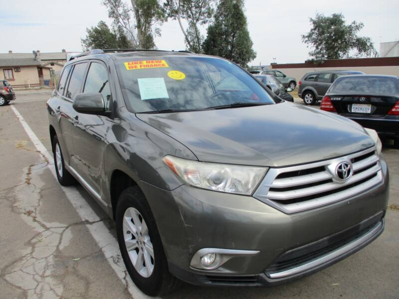 2011 Toyota Highlander for sale at F & A Car Sales Inc in Ontario CA