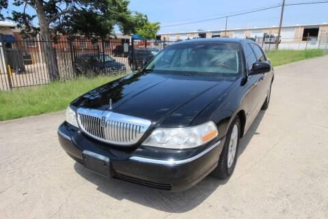 2009 Lincoln Town Car for sale at Highland Autoplex, LLC in Dallas TX