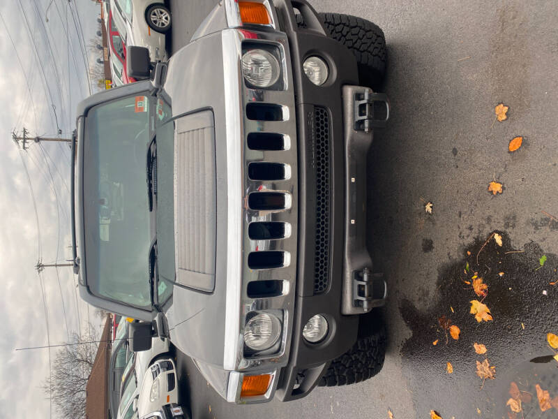 2006 HUMMER H3 for sale at Right Choice Automotive in Rochester NY
