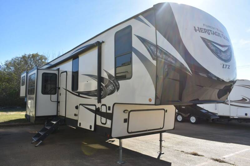 2019 Forest River Heritage Glen 372RD for sale at Buy Here Pay Here RV in Burleson TX