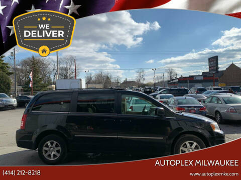2009 Chrysler Town and Country for sale at Autoplex 2 in Milwaukee WI