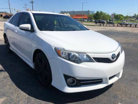 2014 Toyota Camry for sale at CHAD AUTO SALES in Bridgeton MO