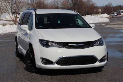 2018 Chrysler Pacifica for sale at Big O Auto LLC in Omaha NE