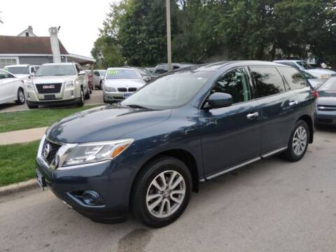 2014 Nissan Pathfinder for sale at CPM Motors Inc in Elgin IL