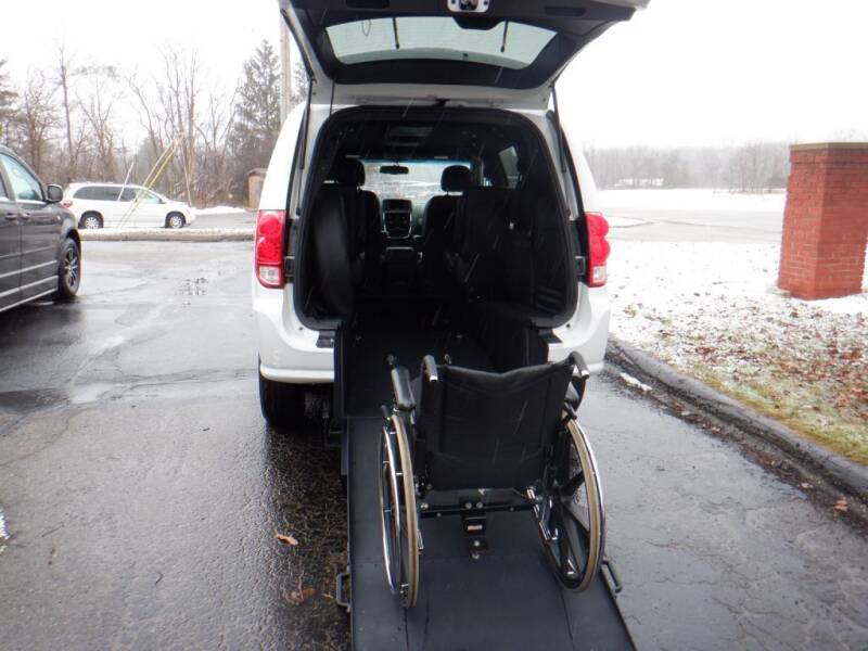 2018 Dodge Grand Caravan for sale at Mobility Motors LLC - A Wheelchair Van in Battle Creek MI