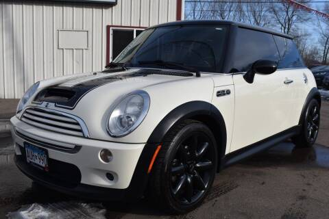 2005 MINI Cooper for sale at Dealswithwheels in Inver Grove Heights MN