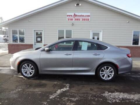2016 Chrysler 200 for sale at GIBB'S 10 SALES LLC in New York Mills MN