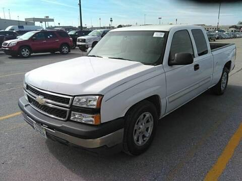 2006 Chevrolet Silverado 1500 for sale at Cars Now KC in Kansas City MO
