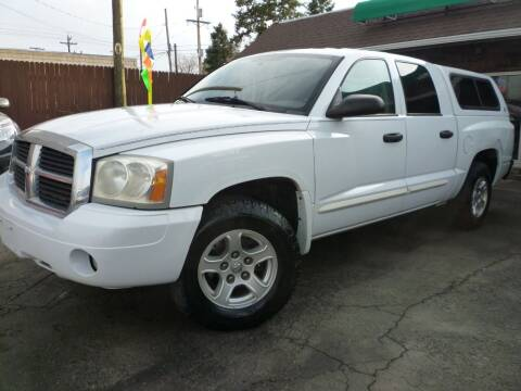 2005 Dodge Dakota for sale at Sindibad Auto Sale, LLC in Englewood CO