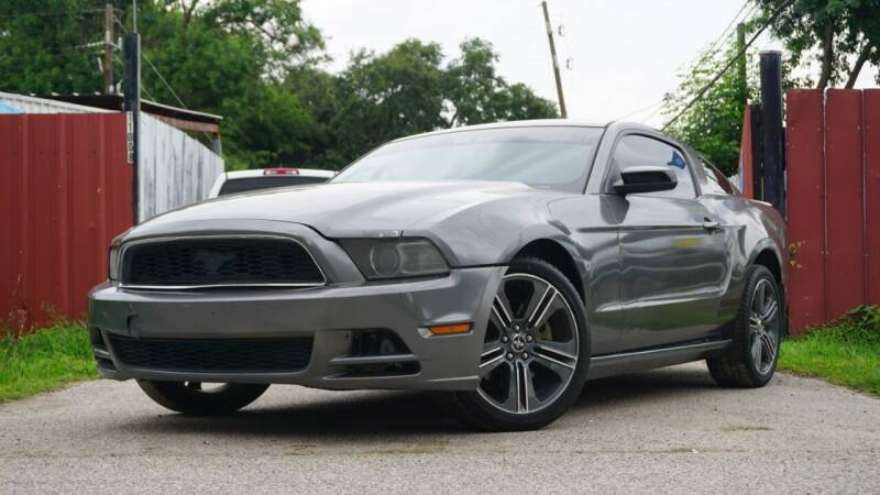 2013 Ford Mustang for sale at Hidalgo Motors Co in Houston TX