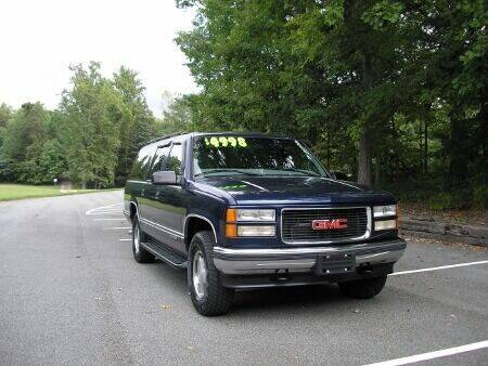 1999 GMC Suburban for sale at RICH AUTOMOTIVE Inc in High Point NC