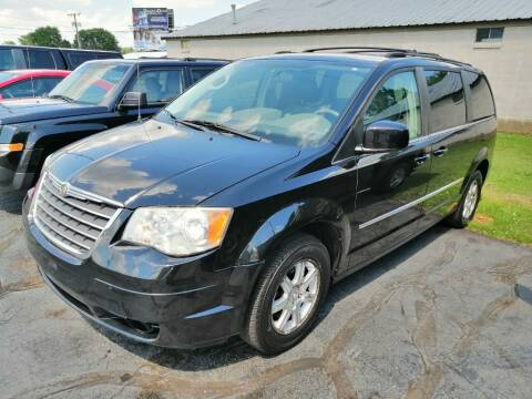 2009 Chrysler Town and Country for sale at KRIS RADIO QUALITY KARS INC in Mansfield OH