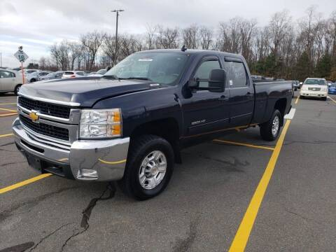 2009 Chevrolet Silverado 2500HD for sale at Techno Motors in Danbury CT