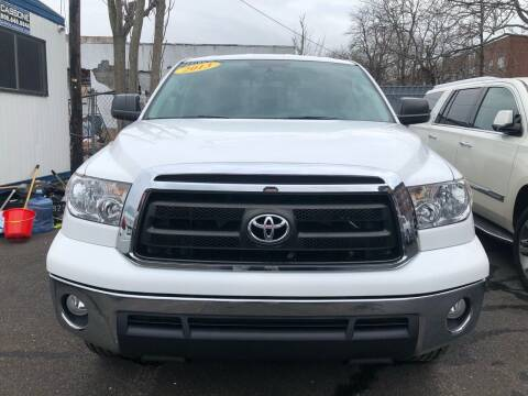 2013 Toyota Tundra for sale at OFIER AUTO SALES in Freeport NY