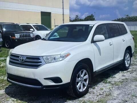 2013 Toyota Highlander for sale at Global Pre-Owned in Fayetteville GA
