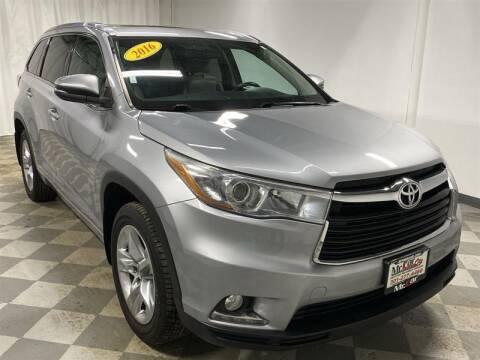 2016 Toyota Highlander for sale at Mr. Car City in Brentwood MD