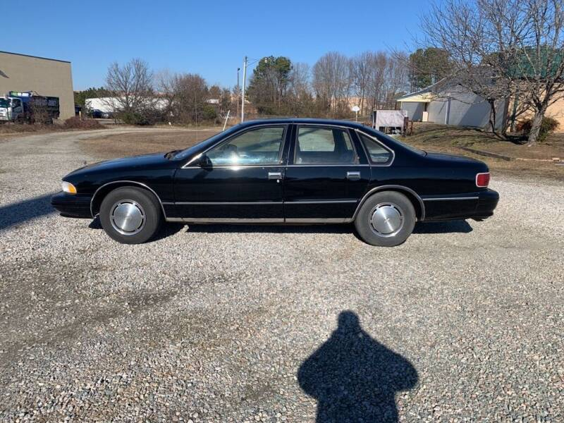 1996 Chevrolet Caprice for sale at MEEK MOTORS in North Chesterfield VA
