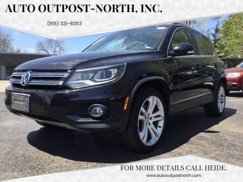 2012 Volkswagen Tiguan for sale at Auto Outpost-North, Inc. in McHenry IL