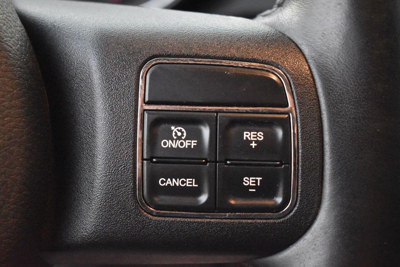 2011 Jeep Grand Cherokee Laredo 4×4 4dr SUV full