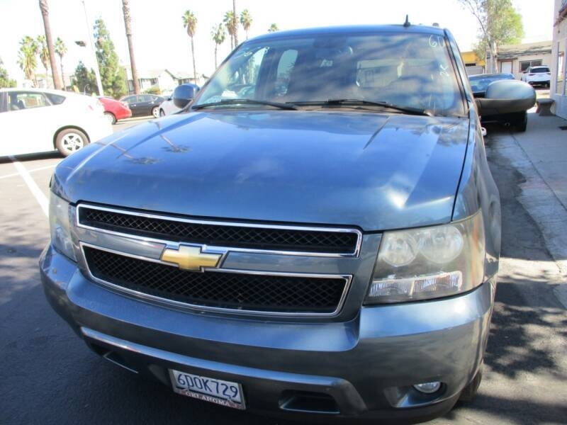 2008 Chevrolet Suburban for sale at F & A Car Sales Inc in Ontario CA