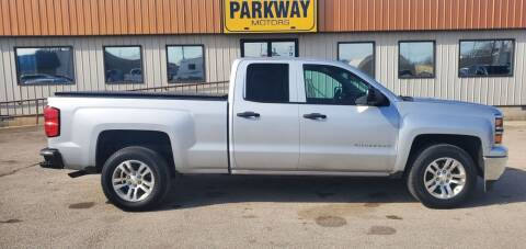 2014 Chevrolet Silverado 1500 for sale at Parkway Motors in Springfield IL