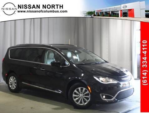 2018 Chrysler Pacifica for sale at Auto Center of Columbus in Columbus OH