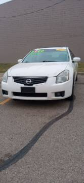 2007 Nissan Maxima for sale at Double Take Auto Sales LLC in Dayton OH