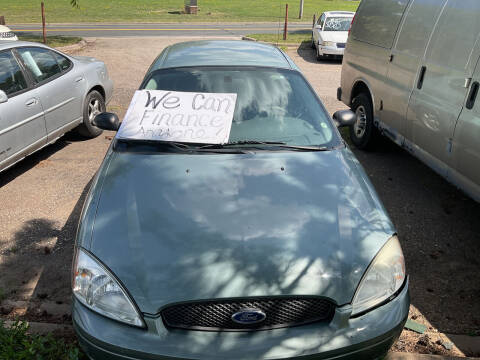 2005 Ford Taurus for sale at Continental Auto Sales in White Bear Lake MN