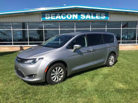 2018 Chrysler Pacifica for sale at BEACON SALES & SERVICE in Charlotte MI