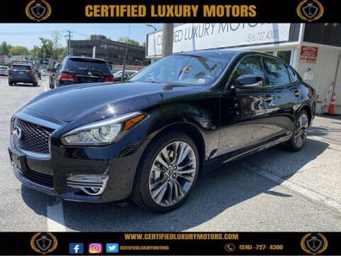 2017 Infiniti Q70 for sale at Certified Luxury Motors in Great Neck NY