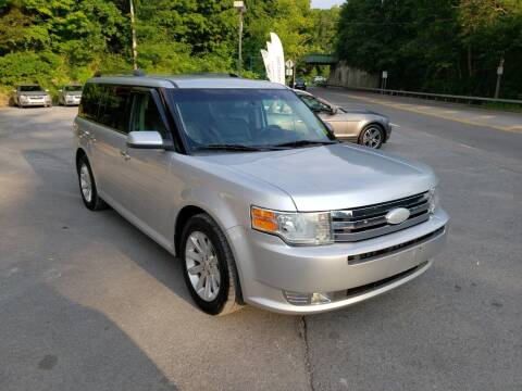 2012 Ford Flex for sale at Apple Auto Sales Inc in Camillus NY