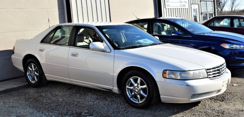 2001 Cadillac Seville for sale at PINNACLE ROAD AUTOMOTIVE LLC in Moraine OH