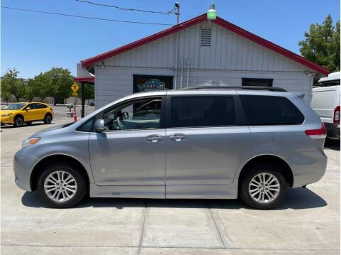 2012 Toyota Sienna for sale at Dealers Choice Inc in Farmersville CA