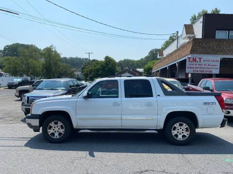2005 Chevrolet Avalanche for sale at TNT Auto Sales in Bangor PA