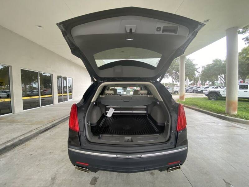 2017 Cadillac XT5 Luxury 4dr SUV - Davie FL