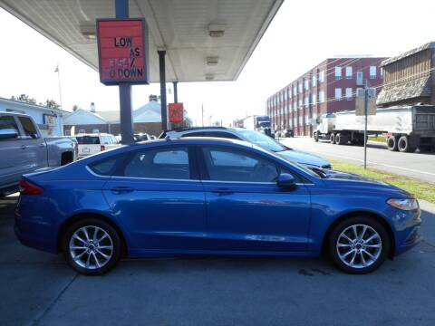 2017 Ford Fusion for sale at River City Auto Center LLC in Chester IL