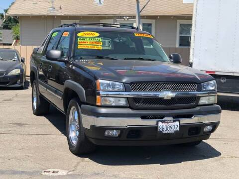2006 Chevrolet Avalanche for sale at Victory Auto Sales in Stockton CA