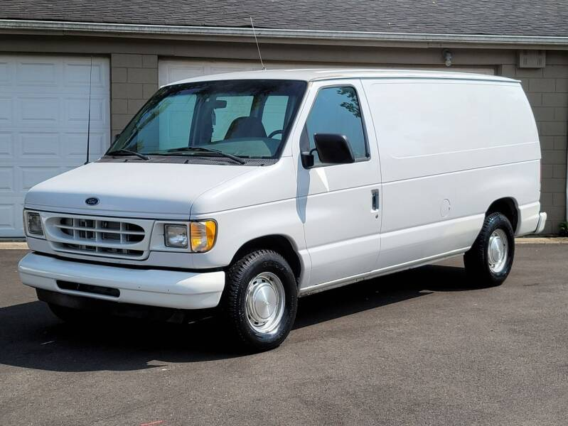 2002 Ford E-Series Cargo for sale at Riverfront Auto Sales in Middletown OH