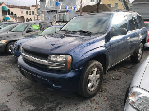 2003 Chevrolet TrailBlazer for sale at American Dream Motors in Everett WA