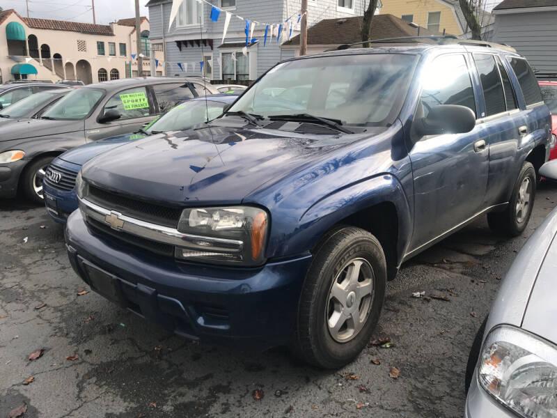 2003 Chevrolet TrailBlazer for sale at American Dream Motors in Everett WA