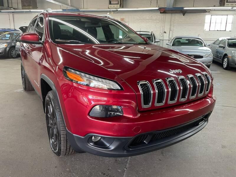 2014 Jeep Cherokee for sale at John Warne Motors in Canonsburg PA