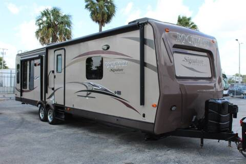 2014 Rockwood Ultra Lite 8329ss for sale at Truck and Van Outlet in Miami FL