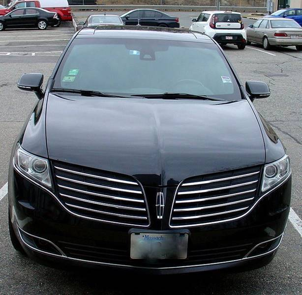 2018 Lincoln MKT Town Car for sale at Desi's Used Cars in Peabody MA