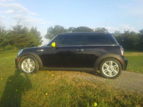 2013 MINI Hardtop for sale at CAVENDER MOTORS in Van Alstyne TX