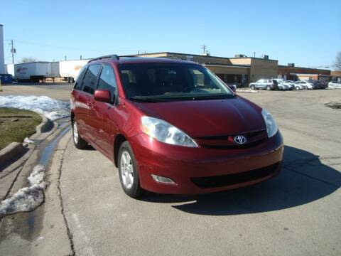 2010 Toyota Sienna for sale at ARIANA MOTORS INC in Addison IL