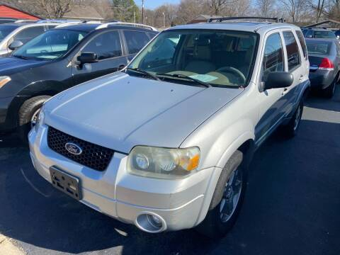 2005 Ford Escape for sale at Sartins Auto Sales in Dyersburg TN